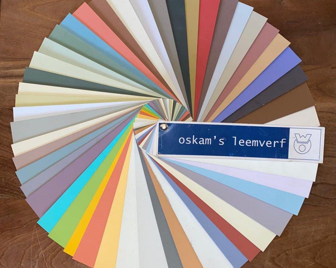 Verschillende keuzes uit leemverf kleuren
