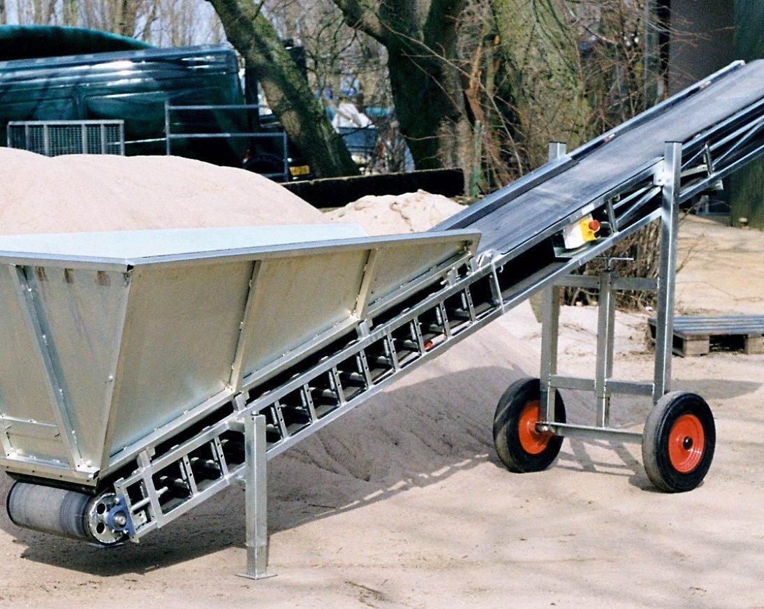 Les bandes transporteuses peuvent être utilisées pour la terre, le sable, les fibres, les produits agricoles, etc.