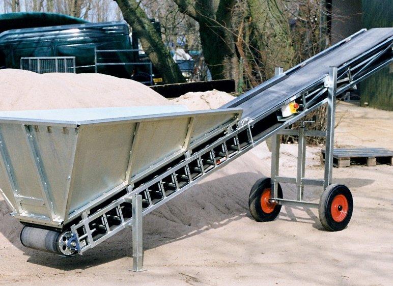De transportbanden zijn te gebruiken voor aarde, zand, vezels, landbouwproducten etc.