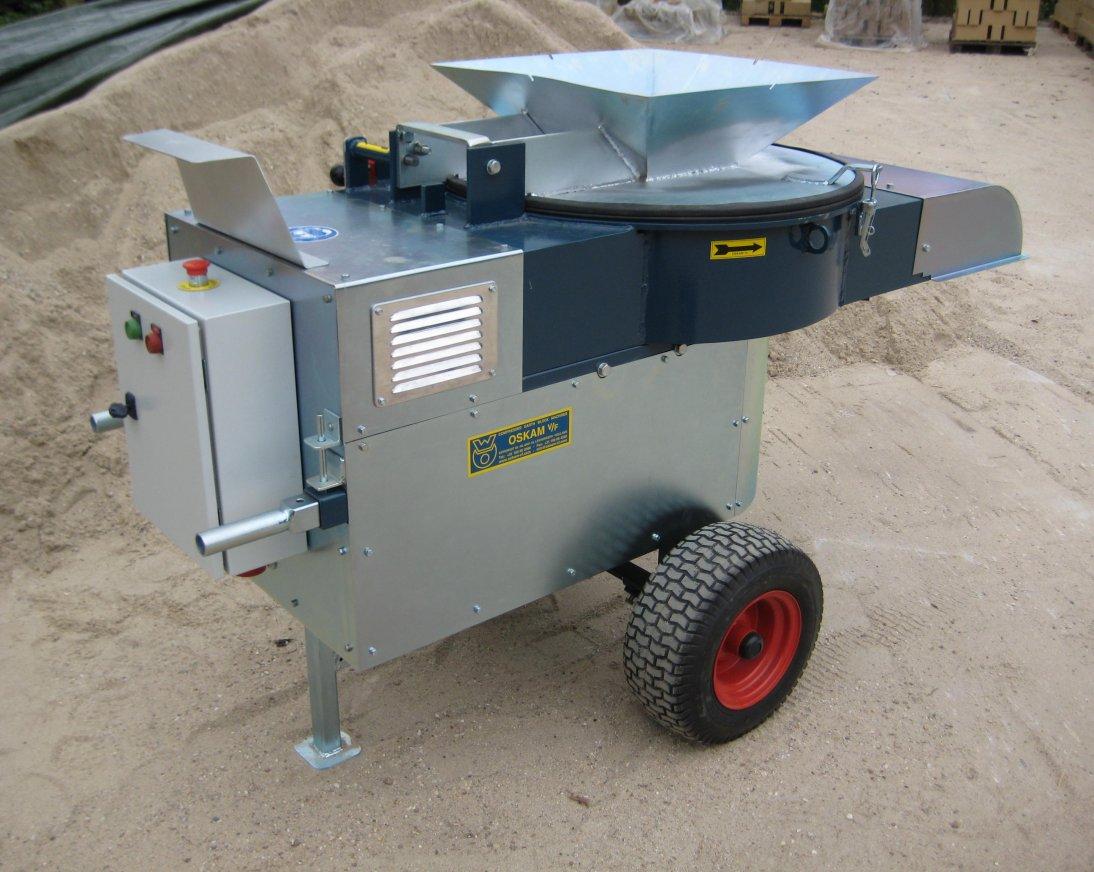 Energie efficiënte maler 11 kW voor het vermalen van grondstoffen. Met uitwisselbare zeef