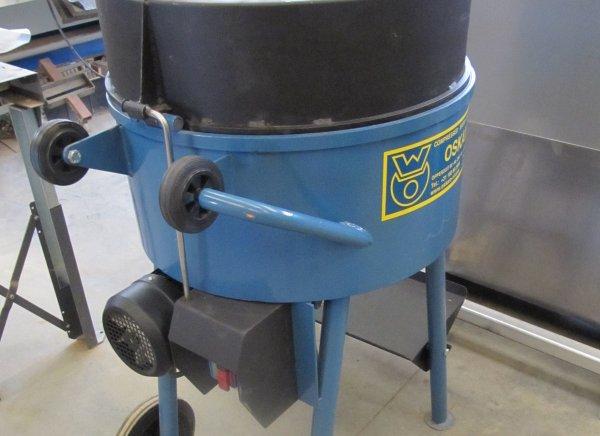 Mezclador de rotor para mezclar fácilmente yeso de arcilla con pajita corta, 100 litros / 60% de capacidad de mezcla. 2.2