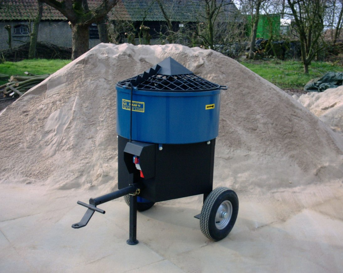 This is a 140 Liter mixer suitable for clay and plaster.