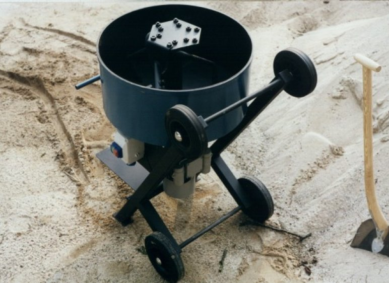 Il s'agit d'un mélangeur de 80 litres adapté au mortier