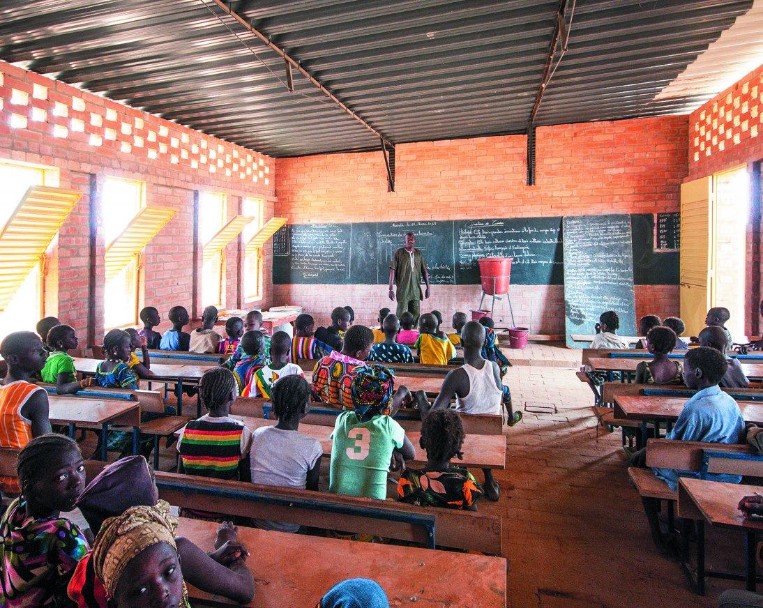 Een school in Gangouroubouro gebouwd van leemstenen.