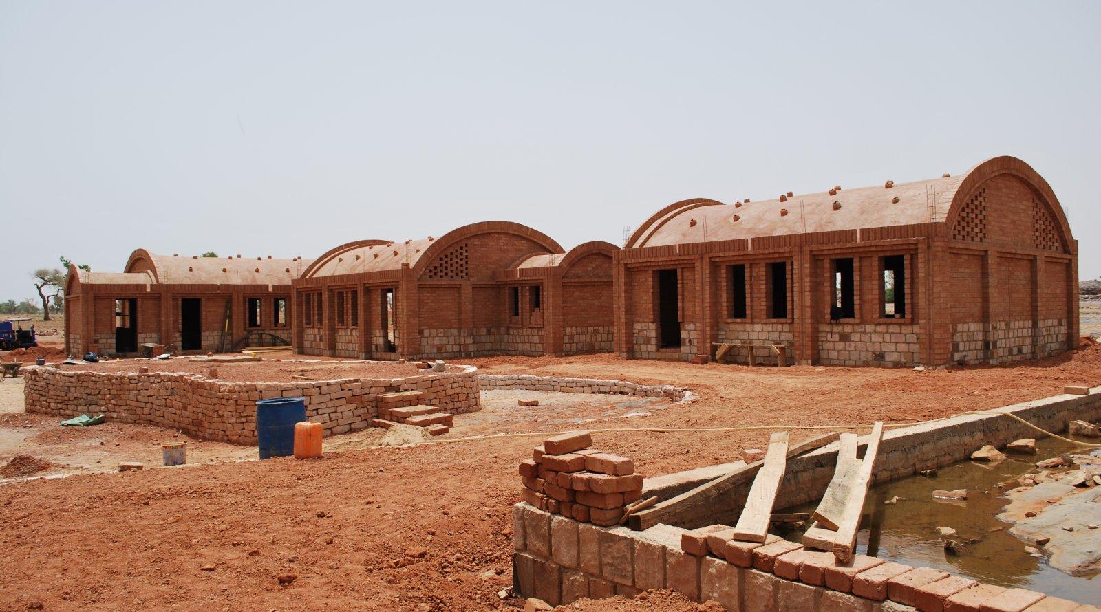 Bâtiment en briques d'argile